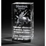 personlig dåbsgave med stjernetegn og navn graveret i 3d glas